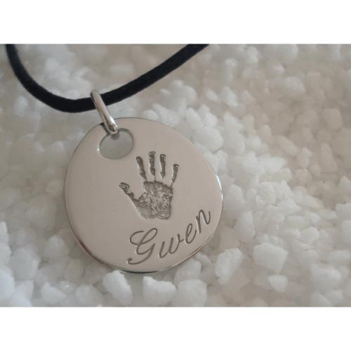 Les Empreintes : pendentif galet zen or blanc avec bélière