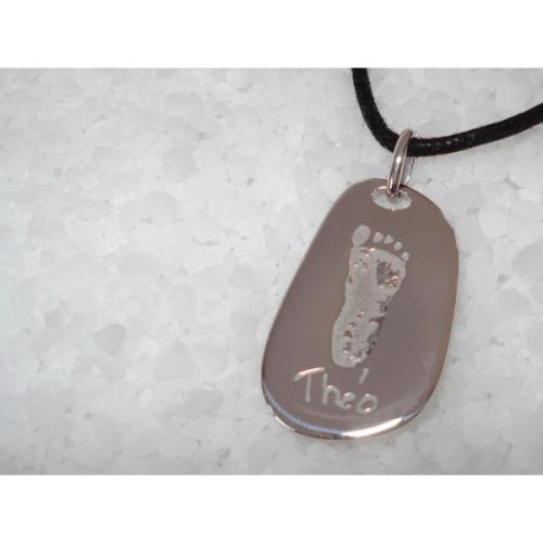Les Empreintes : pendentif galet carré argent avec bélière